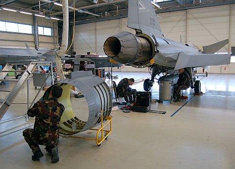 hangar-14.jpg
