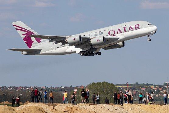 qatar-a380-bud-1.jpg