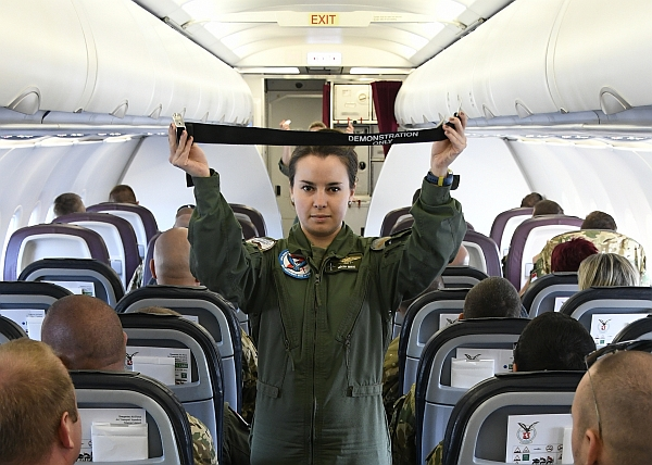 cabincrew-09.jpg