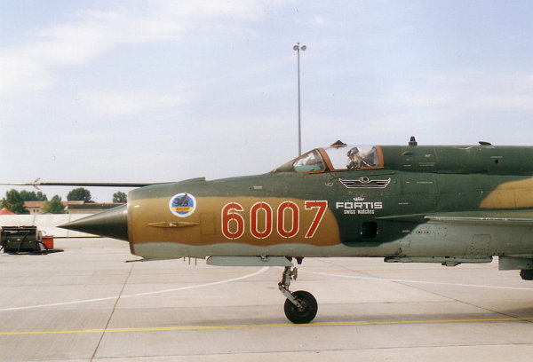 2000-05-38.jpg