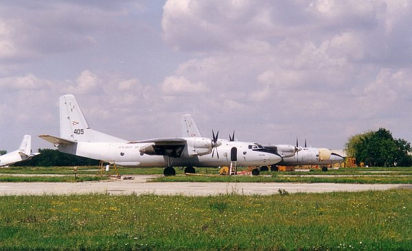 an26-eje-2001-09-00.jpg