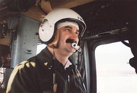 Tizennégyekből érkező – Michael Collins pilótát jelölték ki legénységként.