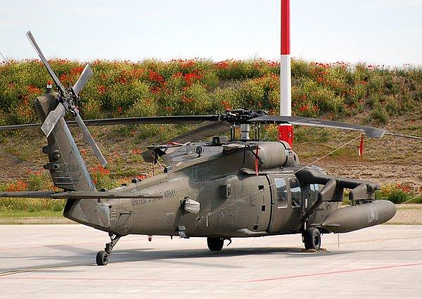 army_uh60_04.jpg