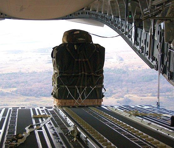 airdrop-017.jpg