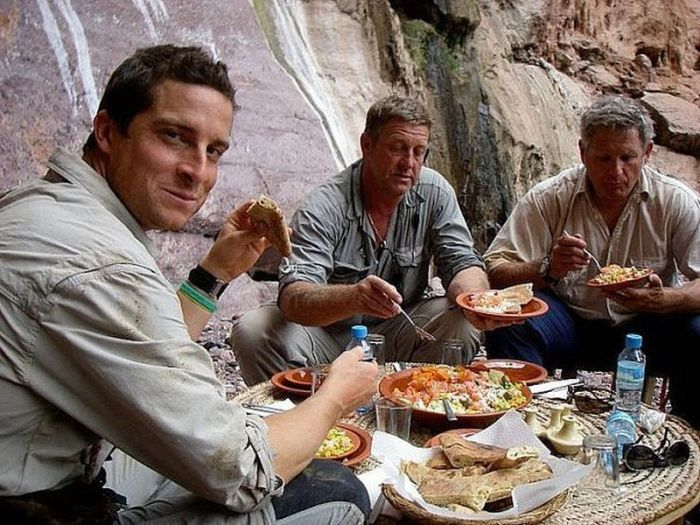 Bear-Grylls-behind-the-scenes38.jpg