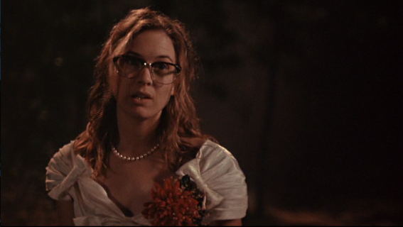 Rene_e_Zellweger_Texas_Chainsaw_Massacre_The_Next_Generation_nerdy_glasses.png