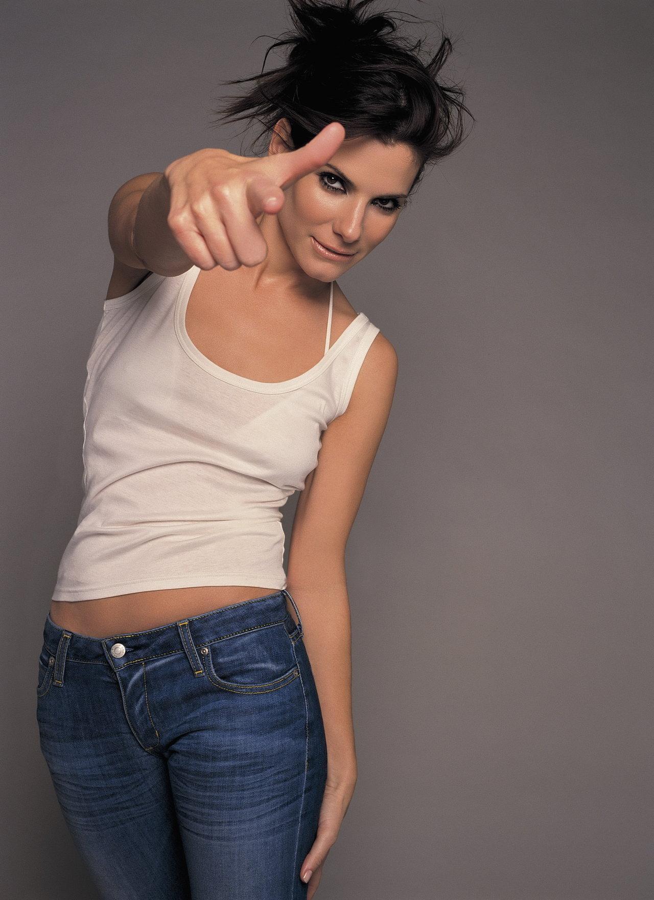 Sandra-Bullock-sandra-bullock-19873194-1280-1760.jpg