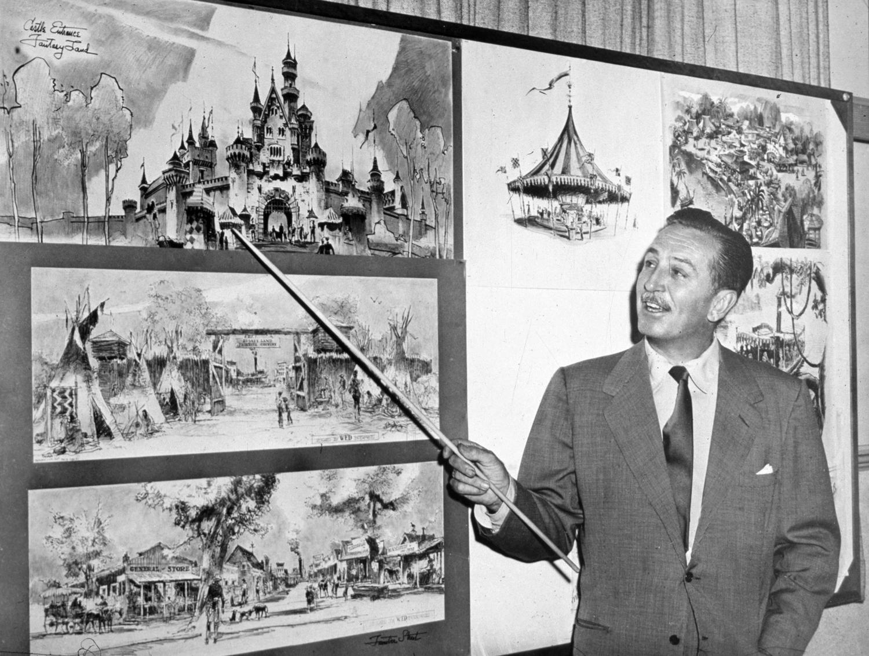 Walt_Disney_Disneyland.png