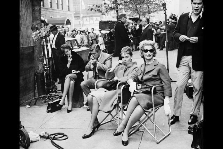 az álom luxuskivitelben forgatási szünetében, 1961-ben.jpg
