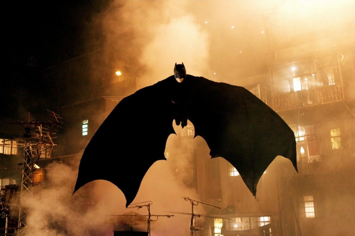 batman_begins_2005_background_wallpaper_for_desktop.jpg