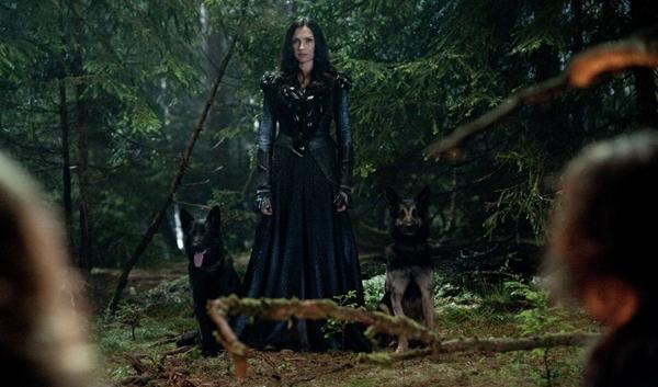 famke-janssen-in-witch-hunters.jpg