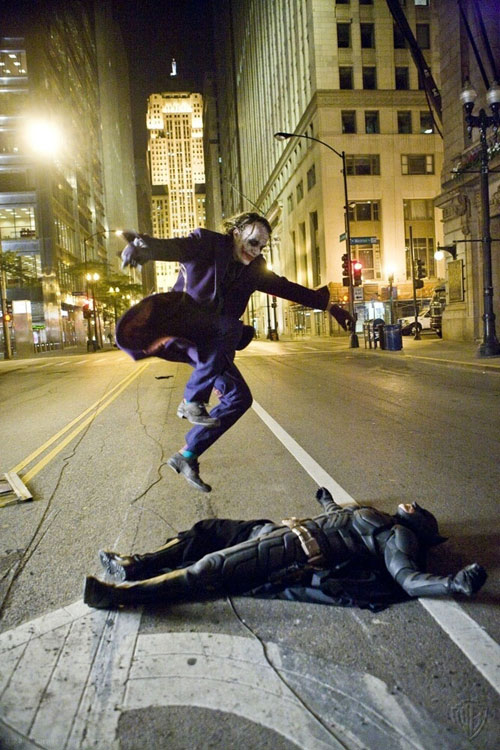 funny-Batman-Dark-Knight-behind-scenes-Joker.jpg
