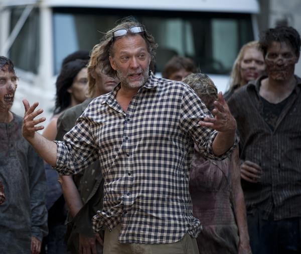Greg-nicotero-the-walking-dead-season-2-episode-1-photo.jpg
