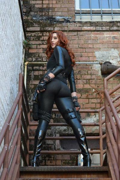cute_and_kickass_cosplay_girls_640_23.jpg