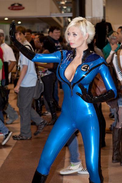 cute_and_kickass_cosplay_girls_640_27.jpg