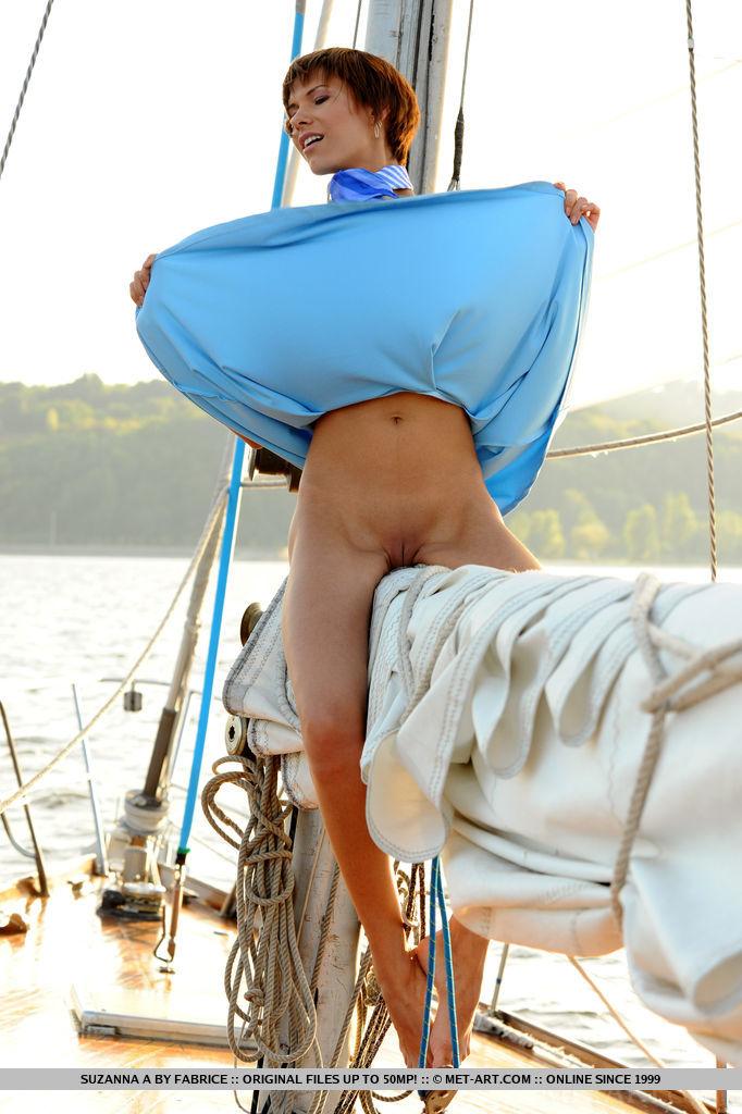 set-sail-with-stunning-suzanna-a-02.jpg
