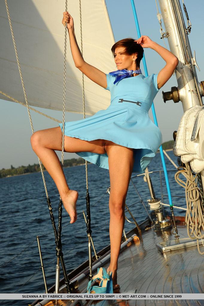 set-sail-with-stunning-suzanna-a-03.jpg