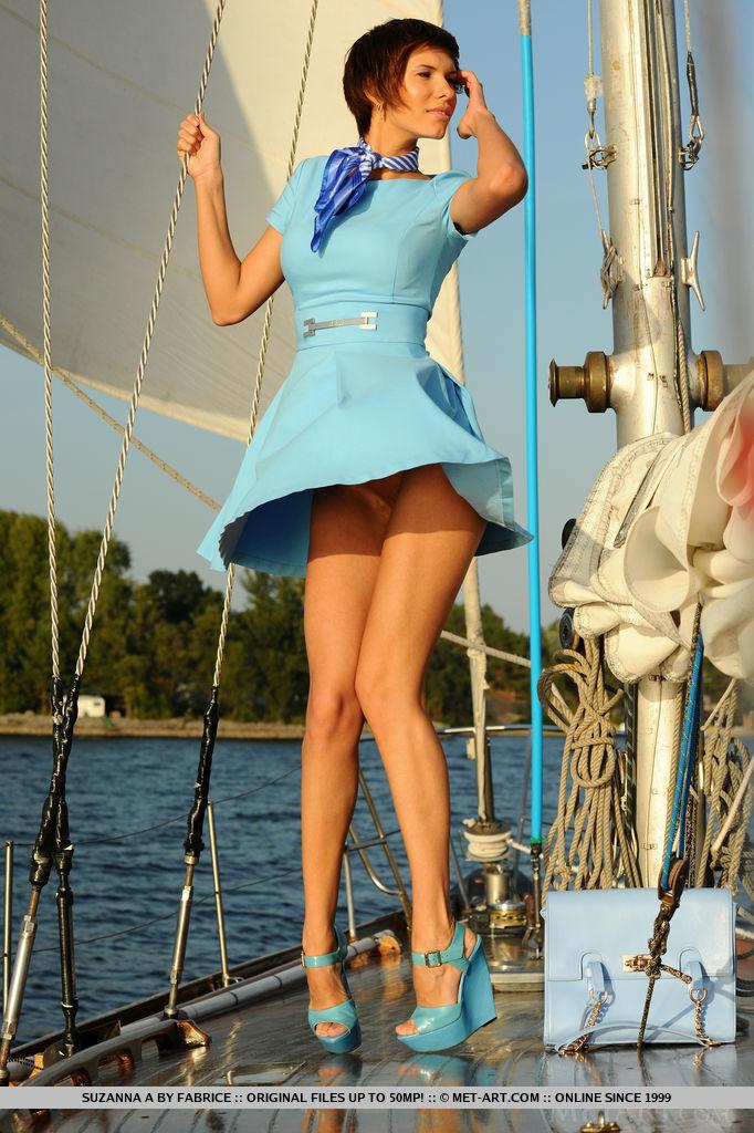 set-sail-with-stunning-suzanna-a-05.jpg