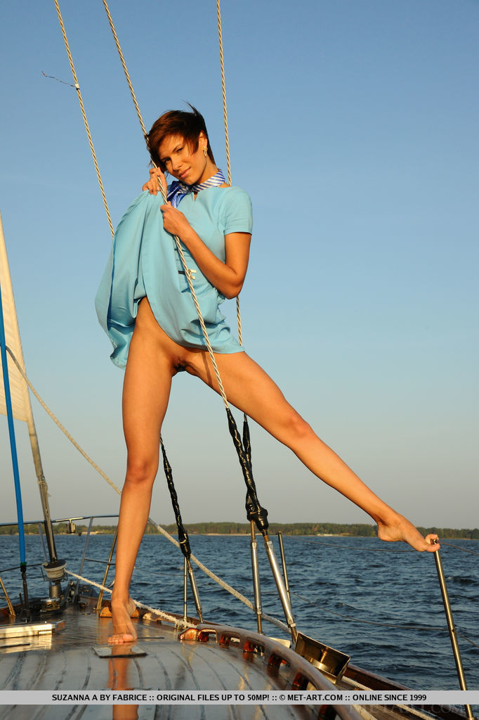 set-sail-with-stunning-suzanna-a-06.jpg