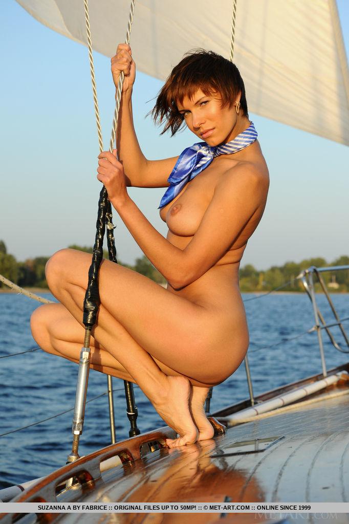 set-sail-with-stunning-suzanna-a-09.jpg