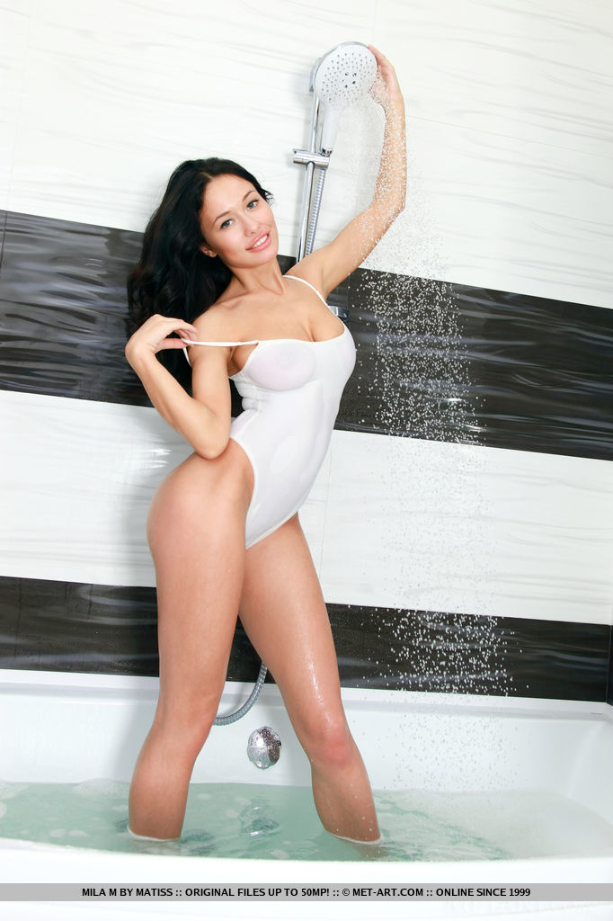 stunning-mila-m-is-wet-and-sexy-in-the-bathroom-08.jpg