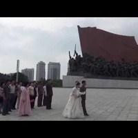 Videó Észak-Koreából: Kim-szobor, kimdzsongilia virág és úttörők