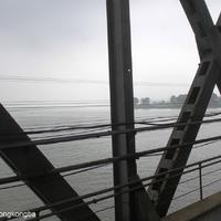 A kínai-koreai határtól vonattal Phenjanig. Vagy Pjongjangig?