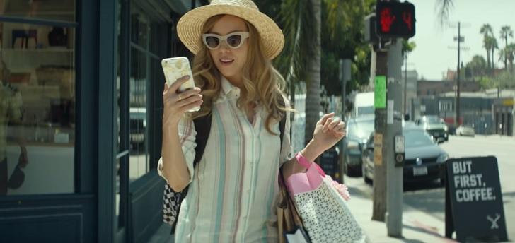 ingrid-goes-west-plaza-phone.jpg