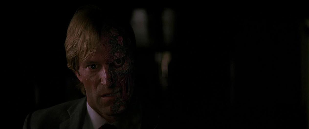 -Harvey-Dent-Two-Face-The-Dark-Knight-Screencaps-harvey-dent-13409605-1264-531.jpg