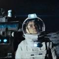 A vállalat nem engedi a lelkemet – Hold (2009)