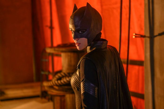 batwoman-season-1-ep-01-03.jpg