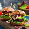 Isteni vegán diétás ebéd recept: a céklaburger