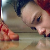 Frusztráció, vér és gyermekvámpír a Let Me In előzetesében