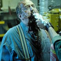Romero új filmjében haboltóval ölik a zombikat (18+)