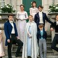 Ezt nézi most mindenki! – A Bridgerton család már az esküvői divatot is uralja