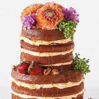 A meztelen a menő! Mármint tortából...