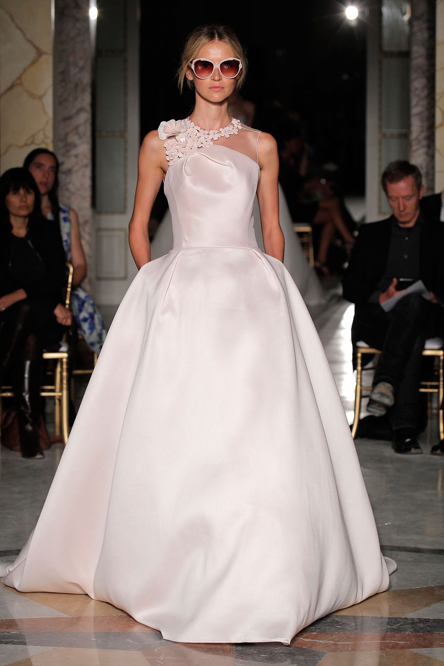 01d2021d74 7-barcelona-bridal-week-eskuvo-classic-alice-blog-