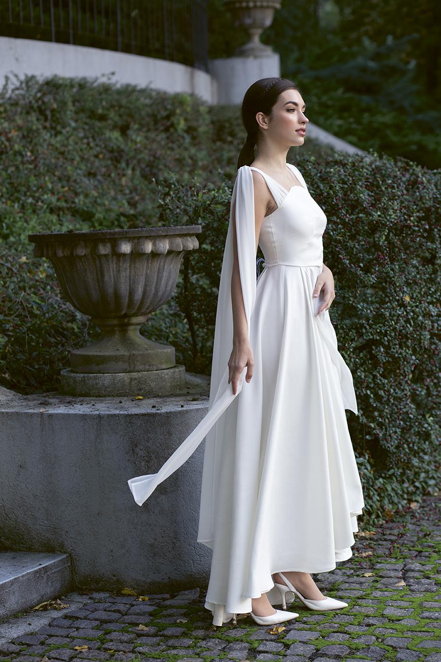 eskuco-classic-viseljhazait-menyasszonyi-ruha-tervezo-boriana.jpg