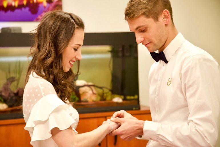 eskuvo-classic-kormendy-betty-balog-gabor-eskuvo-real-wedding-koronavirus-eskuvoszervezes-001-770x514.jpg
