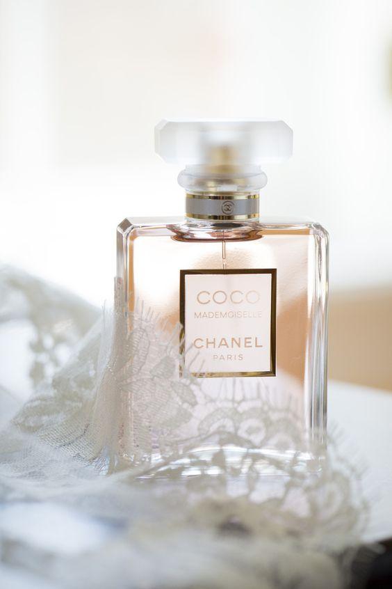 eskuvo-classic-menyasszony-parfum3.jpg