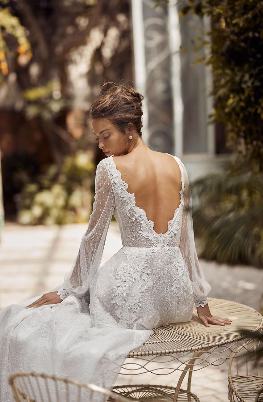 eskuvo-classic-menyasszonyi-ruha-lihi-hod-oszi-menyasszonyi-ruha-kollekcio-204-0009.jpg