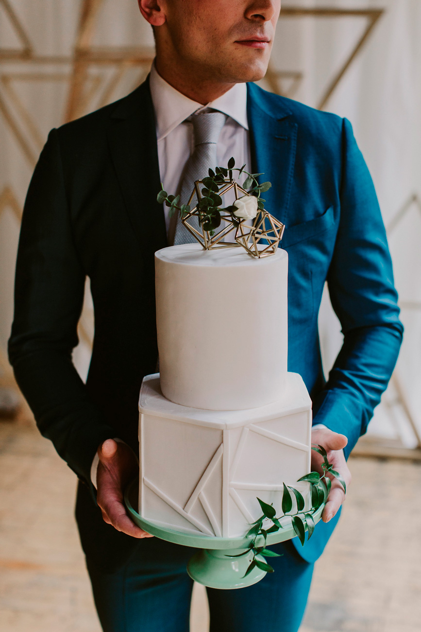 eskuvo-classic-ujhullamos-eskuvoi-dekoracio-indusztrialis-vamos-wedding-photography-02.jpg