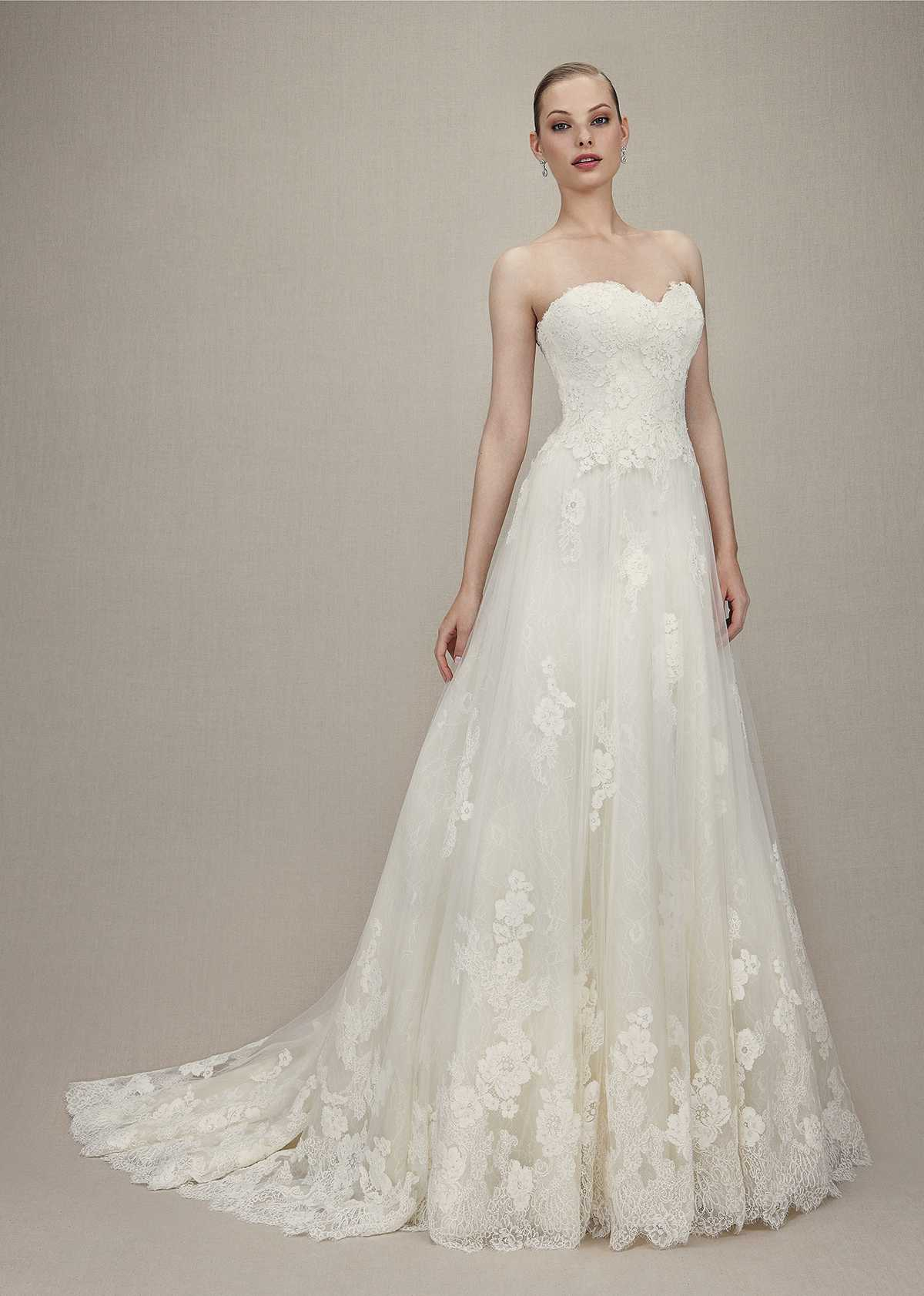 gloriosa-szalon-eskuvo-classic-menyasszonyi-ruha-korte.jpg