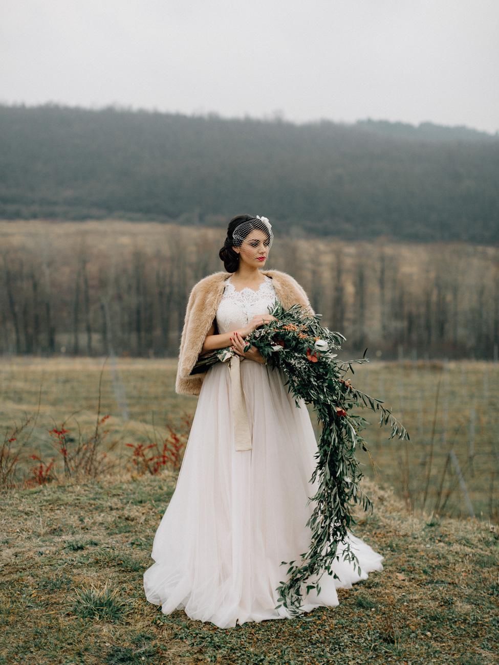 hosszu-eskuvo-classic-menyasszonyi-csokrok-bowtie-wedding-vintage-cottage-eskuvoszervezes-01.jpg