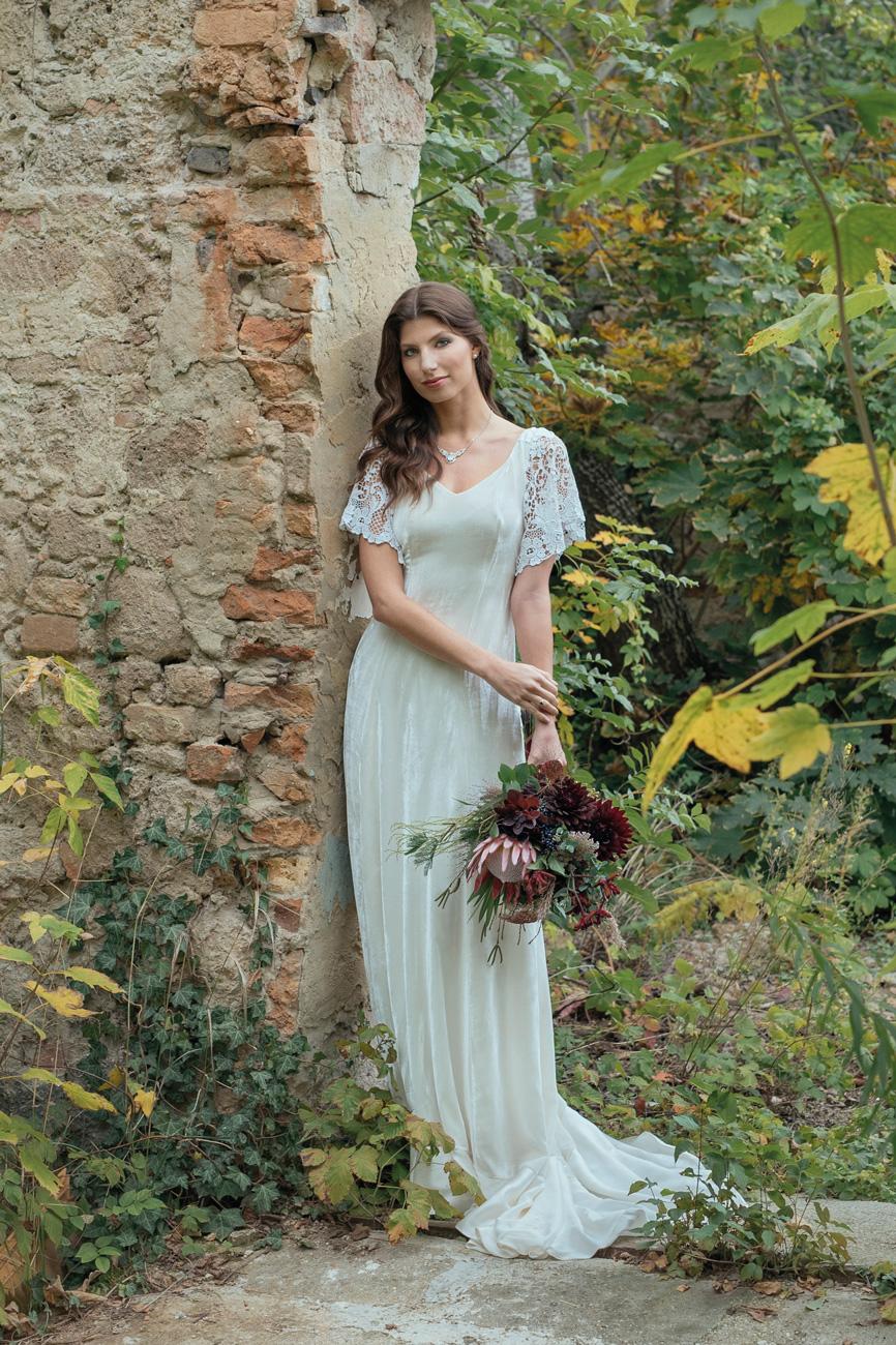 menyasszonyi-ruha-stilushoz-eskuvo-classic-stohl-luca-menyasszonyi-ruha.jpg