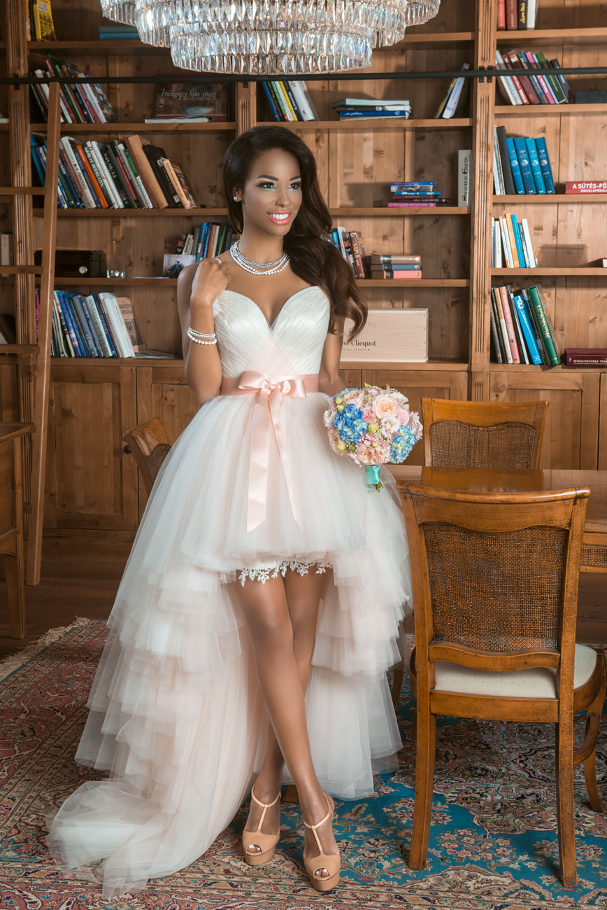 menyasszonyi-ruha-stilushoz-eskuvo-classic-tucsi-glam-menyasszonyi-ruha.jpg