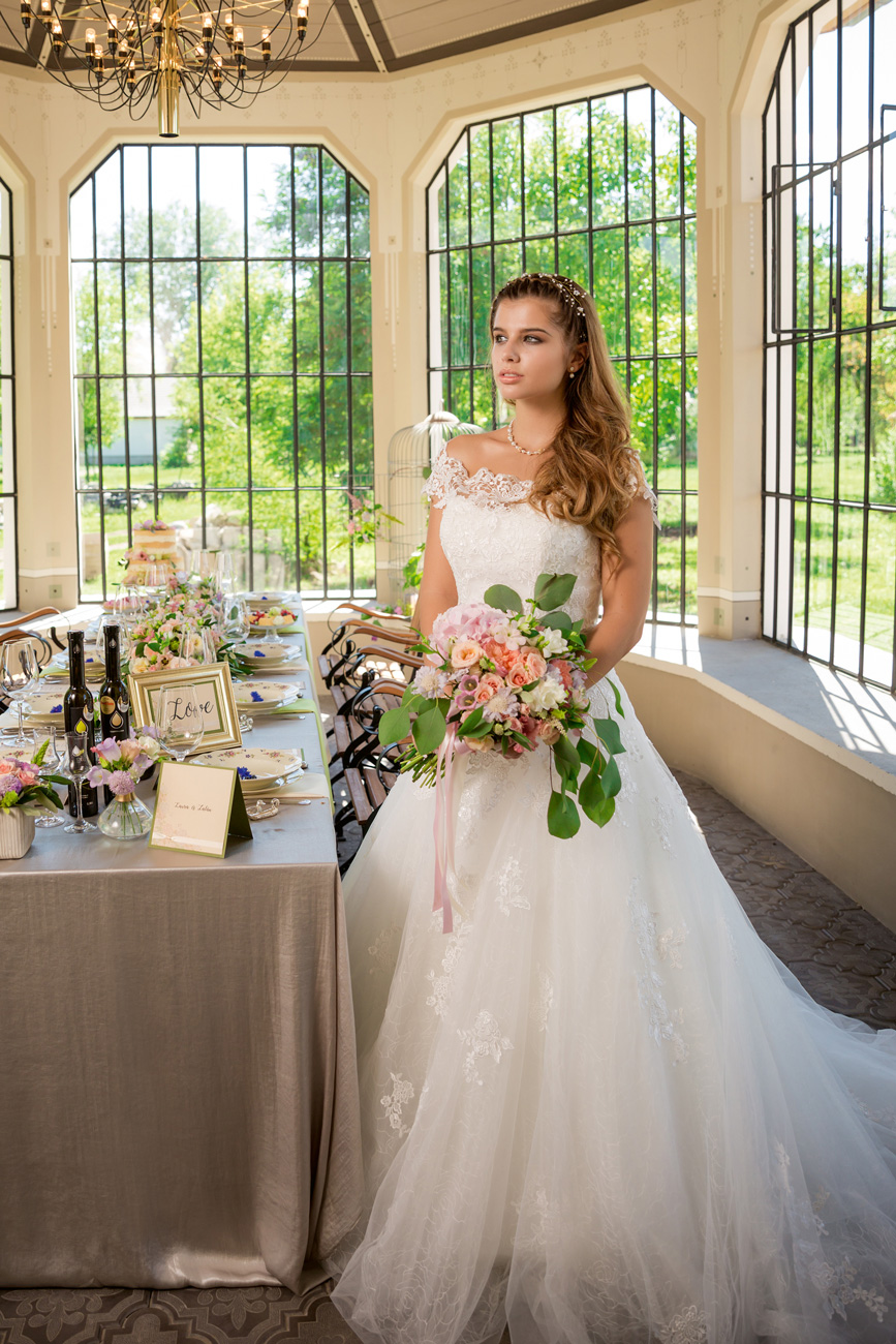 menyasszonyi-ruha-stilushoz-eskuvo-classic-viczian-viktoria-klasszikus-menyasszonyi-ruha.jpg