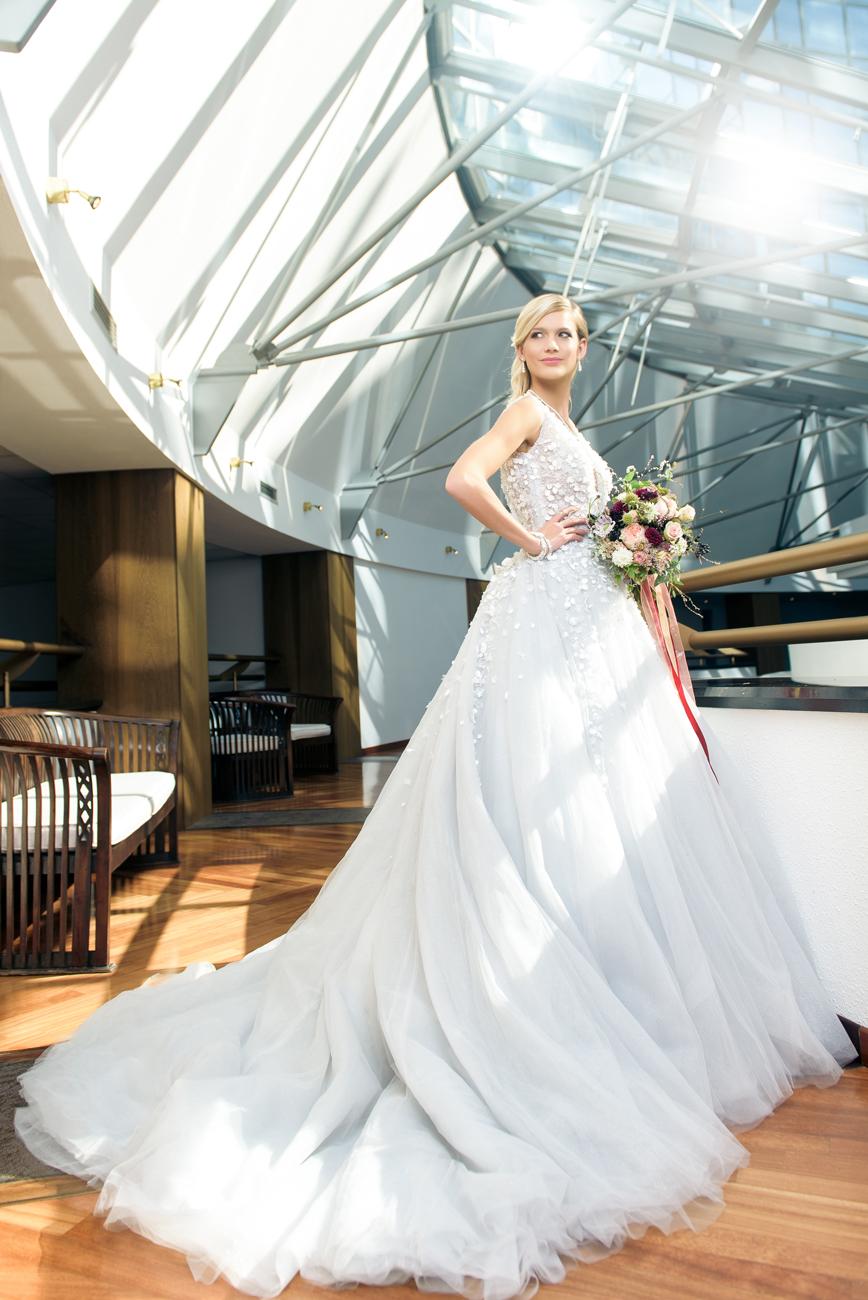 menyasszonyi-ruha-stilushoz-eskuvo-classic-weisz-fanni-hercegnos-menyasszonyi-ruha.jpg