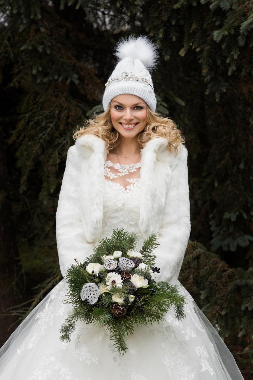 veszelyes-eskuvo-classic-menyasszonyi-csokrok-panamy-photo-anygalok-muhelye-02.jpg