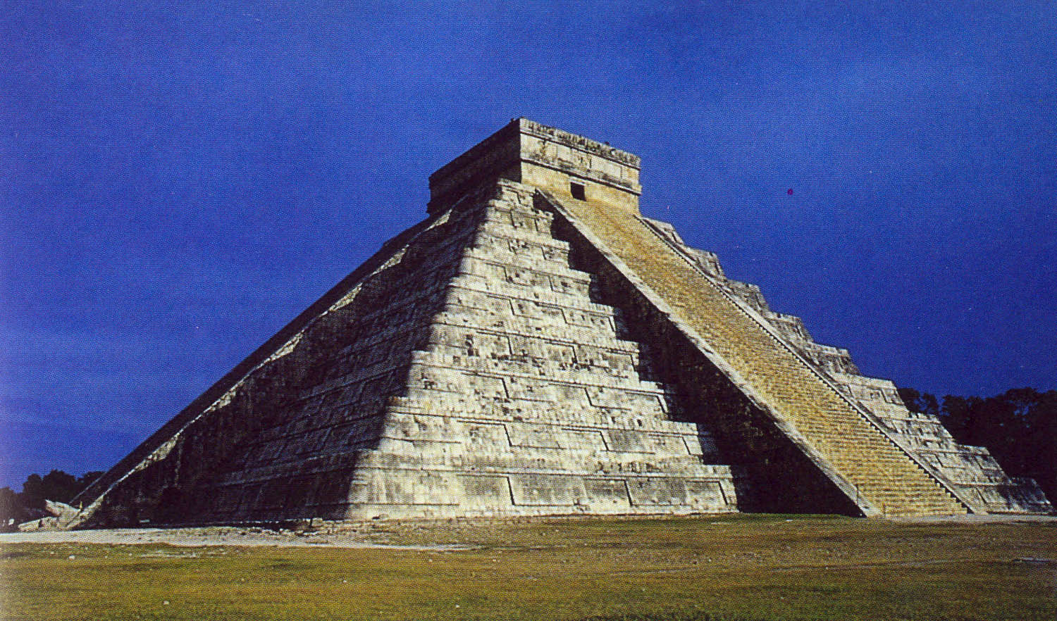 serpens_chichen_itza.jpg